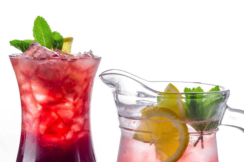 4 redenen waarom mensen cocktails drinke